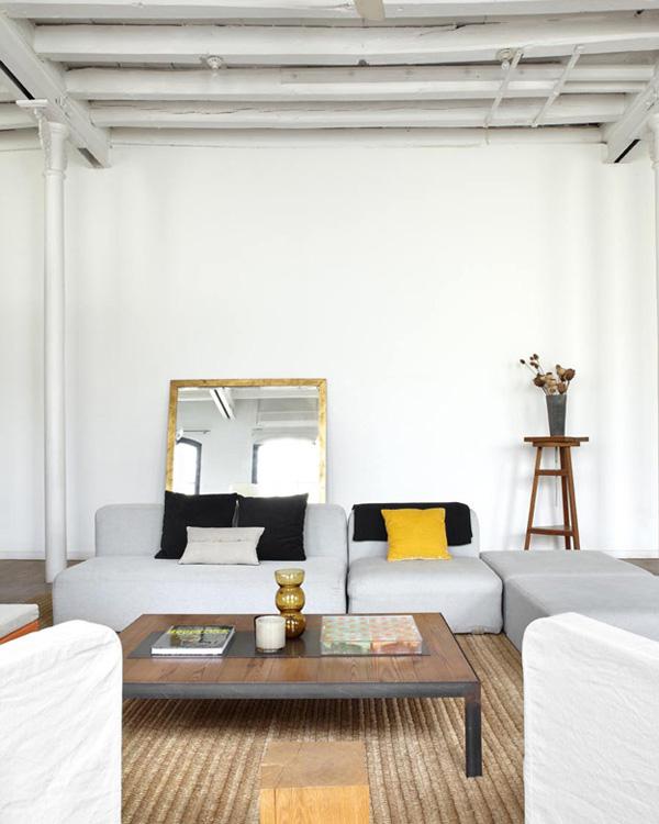 Barcelona Small Apartments: CONTEMPORARY LOFT IN BARCELONA