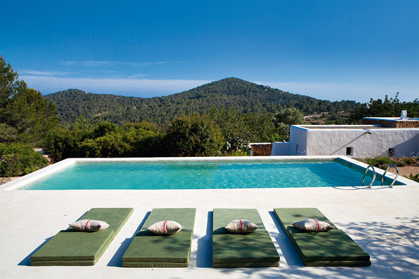 Ibiza-Luis-Galliussi-by-Ricardo-Labougle-10