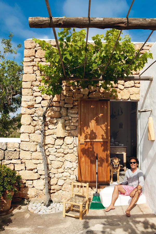 Ibiza-Luis-Galliussi-by-Ricardo-Labougle-12
