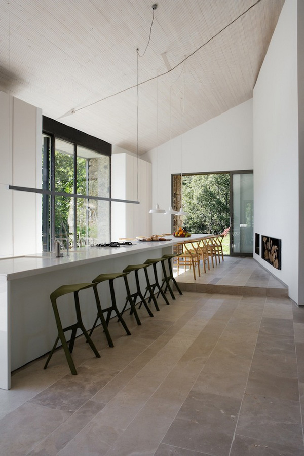 Off-The-Grid-Home-Extremadura-by-Abaton-Architects-04