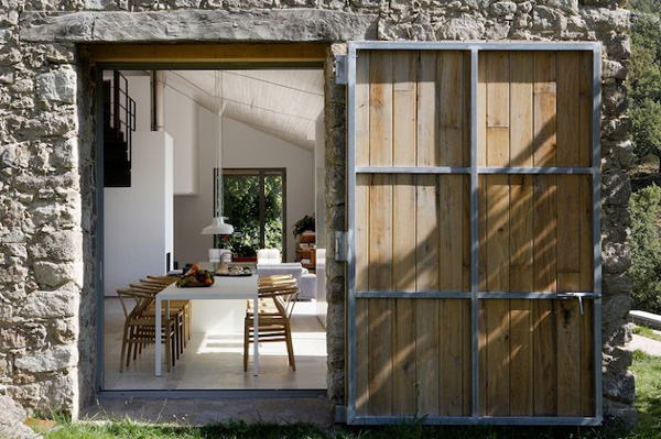 Off-The-Grid-Home-Extremadura-by-Abaton-Architects-12