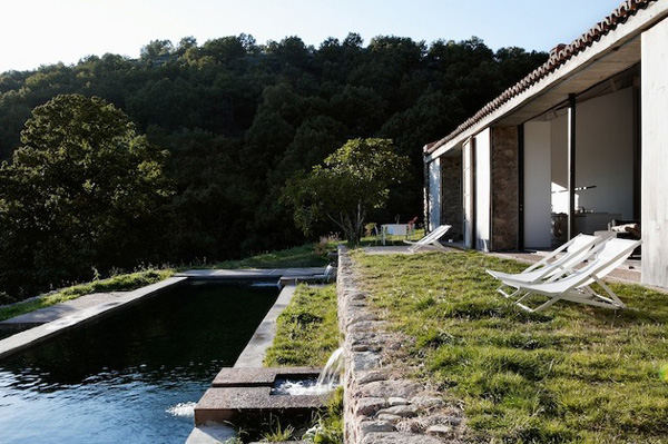 Off-The-Grid-Home-Extremadura-by-Abaton-Architects-22