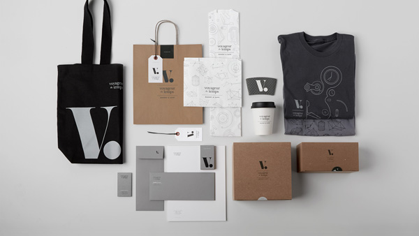 voyageur-du-temps-branding-by-character-via-stylejuicer-08