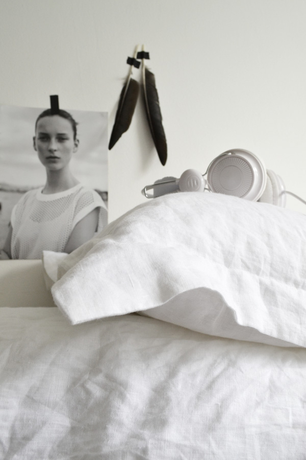 soak and sleep, summer of linen, 100% pure french linen, quality, pillow consultation, duvets, pillows, bed linen, towels, toppers, protectors, mattresses, relaxed, easy, style, trend, soft natural shades, white, grey, soft blue, charcoal pre-shrunk, pre-softened, for the home