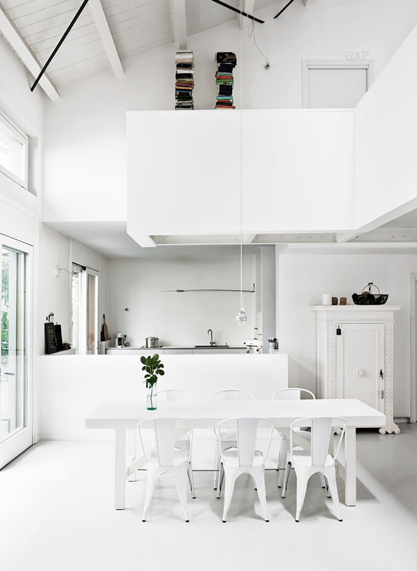 All White Interior Design Of The Homewares Designer Home: WHITE HOME IN MILAN