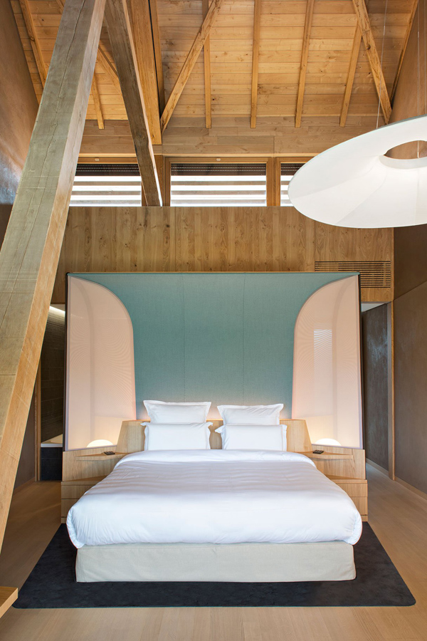spa annex, mind, body, soul, relaxing, restful, harmony, nature, pool, french, alsace, pitched roof, exposed beams, untreated materials, discreet, michelin stared restaurant, hotel des berges, architecture, space design, Patrick Jouin, Sanjit Manku