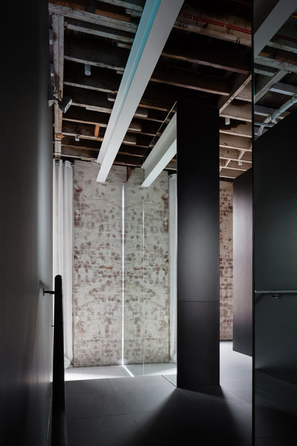 interiors crush, yoga studio, converted warehouse, architecture, karen abernethy, relax, mind, body, soul, meditation, energised, Humming Puppy Yoga Studio, sydney, exposed ceilings, brick walls, intimate, water fountain, simple, elegant, functional, decor
