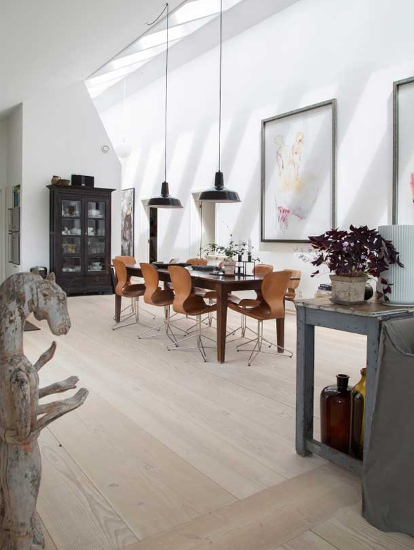 danish cottage, high ceilings, wooden cottage, scandinavian living, trend, style, inspiration, sloping ceiling, dinesen floorboards, light, space