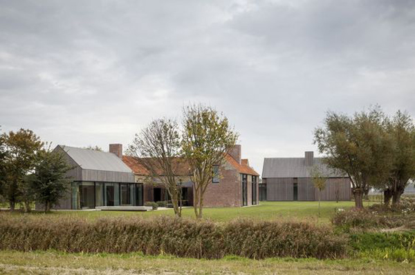 architecture, eye candy, flanders, begium, style, trend, contemporary, farmhouse, fort, Govaert and Vanhoutte, history, WWI bunker, gun ports, restore, renovate, extend, modern