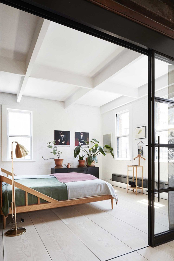 new york loft, loft living, style, industrial, crittall doors, hipster, chic, laid back, dinesen, raw brick, paper factory, stainless steel, marble, skylight, bright, clean, scandinavian, climbing rope, plants, urban jungle, modern, trend, styling, Søren Rose Studio